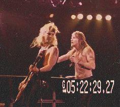 (Para el que no entendió, le salió mal el chiste porque Duff se giró para ese lado)