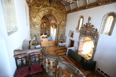 Castle in vila boa do bispo, Portugal. Monastery with 1000 years of life Its a portuguese  monument open to who want new experiences     is a Monastery with 1000 years of history  foudation is century X is located in north of Portugal in the banks of river Tamega  inside to the room an...