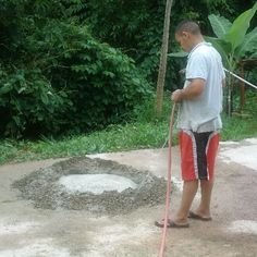 Picture of Mixing the Cement Waste Solutions, Fake Stone, Faux Rock, Projects To Try, Rocks, Cement, Garden Ideas, Outdoor, Pepper