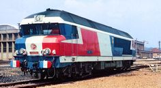 Rail Travel Europe - Faster And Easier Than Ever Before! When it comes to rail travel Europe has never been the most ideal place to make it all happen. Locomotive, Train France, Europe Train Travel, Model Trains, Automobile, Around The Worlds, Things To Come, Vehicles, Tricot