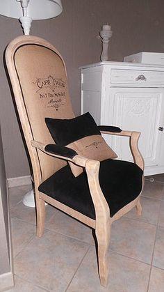 Fauteuil voltaire avec boiserie clair recherche google for Chaise bistrot thonet