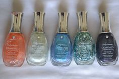 Sally Hansen Diamond strength treatment nail polish en colores brillantes( para uñas tan duras como un diamante). haz tu pedido en www.questra-i.com/etpn. Danos like en facebook.com/empiezatupropionegocio