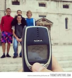 Taking picture with Nokia 3310…