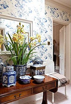 Blue and white simply begs to be put together in a vignette! Blue Willow China, Blue And White China, Blue China, Yellow Accents, White Home Decor, White Houses, White Porcelain, Delft, Shades Of Blue