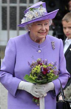 Queen Elizabeth, July 3, 2013 in Rachel Trevor Morgan | The Royal Hats Blog