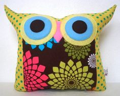 ugly owl pillow. want