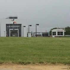 """An exclusive look at a LexCorp building from """"Batman vs Superman: Dawn of Justice"""""""