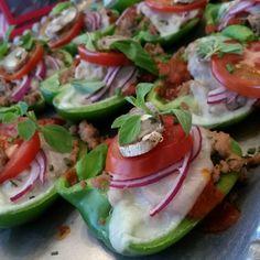 Supreme Pizza Bell Pepper Cups Recipe http://cleanfoodcrush.com/pizza-pepper-cups/