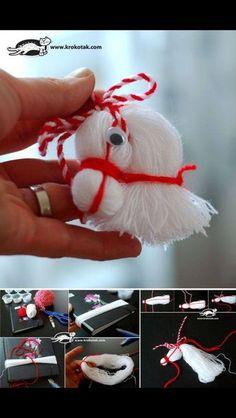DIY-Pferdekopf-Verzierung vom Thread - My most creative diy and craft list Kids Crafts, Crafts To Do, Yarn Crafts, Christmas Ornament Crafts, Holiday Crafts, Christmas Crafts, Merry Christmas, Christmas Decorations, Yarn Dolls