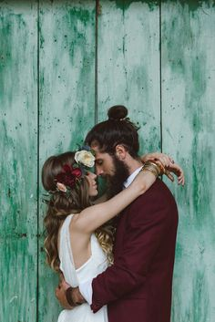 Wreath flower with marsala color, Indie Wedding Inspiration