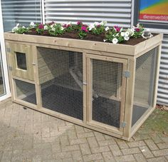 Nice hutch for bunnies just not in sunlight Rabbit Cages Outdoor, Outdoor Rabbit Hutch, Indoor Rabbit, Rabbit Run, House Rabbit, Pet Rabbit, Rabbit Hutch Plans, Rabbit Hutches, Double Rabbit Hutch