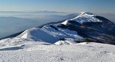 Първенецът на Беласица - връх Радомир (2029 м.н.в.) http://www.ranica.eu/#!article,26594  Снимка на Боян Шейтанов http://www.ranica.eu/#!bsheytanov