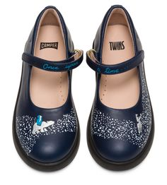 Back to School shoes! Of course you want to step into school with a fresh pair of comfortable shoes that compliment your look! Back To School Shoes, Back To School Backpacks, Credit Cards, Cool Trainers, Camper Twins, Leather Industry, Cream Shoes, Everyday Shoes, Boys Wear