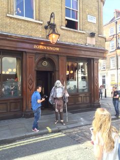 That Time A White Walker Walked Into The John Snow Pub [Cosplay]