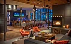 Topnotch Resort, Stowe, VT. High-end contemporary resort surrounded by acres of Vermont maples and 4.5 miles from Spruce Peak slopes.