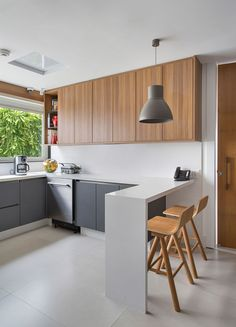 Interior design is the best thing you can do for your home Rustic Home Design, Interior Design Kitchen, Kitchen Furniture, Kitchen Decor, Handleless Kitchen, Concrete Kitchen, Best Kitchen Designs, Luz Natural, Kitchen Styling