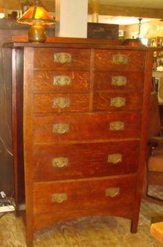 #913 Gustav Stickley 9 drawer chest