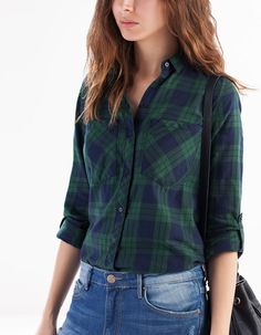 Camisa cuadros - CROCHET & VICHY - Stradivarius España Green Plaid Shirt, Plaid Shirt Outfits, Casual Outfits, Fashion Outfits, Hipster Girls, Dress For Success, Check Shirt, Diy Clothes, My Outfit