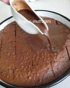 Hayırlı geceler canlar yarın cayın yanına enfes bir Islak kek Kek için 4 oda sıcaklığında yumurta 1 su bardagı şeker 1 su bardagı bardağı…