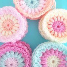 Piles of sunbursts! #crochet #crochetgeek #bellacococrochet