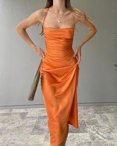 Summer Fashion Tips .Summer Fashion Tips Grad Dresses, Ball Dresses, Formal Dresses, Orange Prom Dresses, Stage Outfit, Look Fashion, Fashion Outfits, Fashion Women, Fashion Ideas