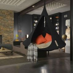 Love this modern style home with indoor cacoon hammock Cacoon Hammock, Indoor Hammock, Hanging Beds, Hanging Chair, Hammocks For Sale, Modern Style Homes, New Room, Hygge, Decoration