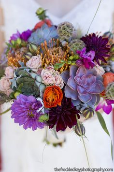The PANTONE Color of the Year Will Inspire Your Wedding Color Schemes especially with this bouquet!