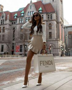 Mode Outfits, Fashion Outfits, Womens Fashion, Fashion Fashion, Fashion Brands, Luxury Lifestyle Fashion, Luxury Fashion, Classy Outfits, Stylish Outfits