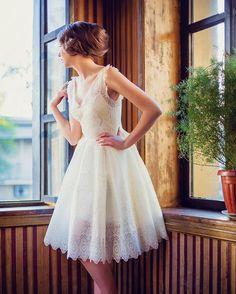 Inspiração de vestido lindo e romântico���� #noivassp #noivasrj #casamento #madrinha #bride #bridetobe #bridedress #bridesmaids #weddingday #weddingday #weddingdress #party #dress #dresses #vestido #fashion #fashionista #followmeplease #followm #vestido denoiva http://gelinshop.com/ipost/1523615863793986916/?code=BUk-I4_ly1k