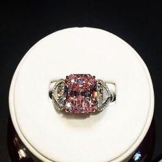 make it pop like pink champagne #fancyintensepink #fancypurple #pinkdiamond #pinkdiamonds #fancycolor #colordiamonds #fancydiamond
