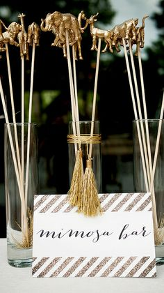 Best guide, help and techniques for baby shower centerpieces! You can include certain decorative things to your entire baby shower décor in order t… – Baby Shower Fiesta Baby Shower, Baby Shower Giraffe, Baby Shower Parties, Baby Shower Themes, Shower Ideas, Shower Party, Shower Games, Safari Theme Baby Shower, Diy Baby Shower Decorations