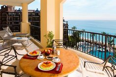 My type of breakfast with an incredible ocean view in Villa del Arco Cabo San Lucas. Vacation Club, Vacation Food, Cabo San Lucas, Baja California, Holiday Time, Best Vacations, Resort Spa, Beach Resorts, Villa