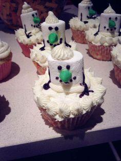 Snowmen christmas cupcakes :)