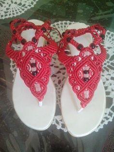 Sandalias macrame rojas