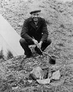 the great depression | ... campfire with a tin can on a stick, during the Great Depression. 1935