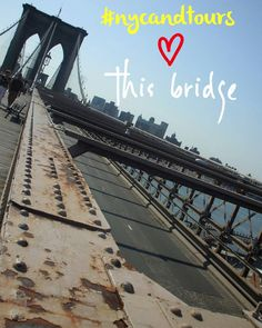 There's more than 3000 bridges in this city but none of them compare to you!  #BrooklynBridge  #nycandtours #turistinewyork #sightseeing #touring #tourguide #guide #newyorkrejsetips #nycrejsetips #danmark #danish #denmark #skandinavisk #ferie #vacation #rejs #rejseliv #turengårtil #vismigditnewyork #newyorkcityskyline  #turengårtilnewyork #nyc #ny #newyork #touristguide