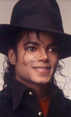 Michael Jackson Photoshoot, Michael Jackson Wallpaper, Photos Of Michael Jackson, Michael Jackson Bad Era, Janet Jackson, Beautiful Person, Beautiful Smile, Bae, King Of Music
