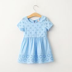 72$/6 styk også i hvid Aliexpress.com : Buy 2016 New Baby Girls Flower Embroider Cotton Linen Dress White and Blue Color Casual Spring Summer Party Dress from Reliable dress soft suppliers on Everweekend Kids Clothing Co.,Ltd