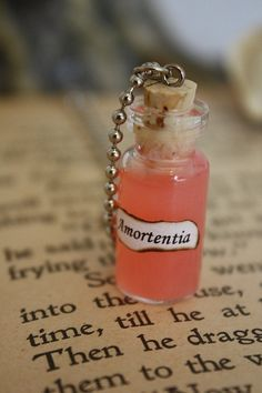Amortentia Vial, this powerful love potion has a different aroma for every brewer.