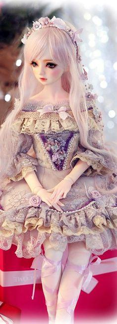 I know it's a doll, but it looks like one of my characters!