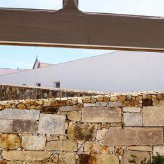 Museu de Santo Tirso #alvarosiza #alvarosizavieira #eduardosoutodemoura #soutodemoura #pritzerprize #arquitetura #architecture #contemporaryarchitecture #contemporaryart #miec #mmap #santotirso #cultour #guidingarchitects #portugal #p3top by cultour_pt