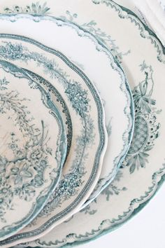 green & white  {transfer-ware, vintage}