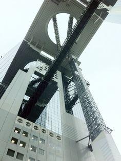 Lookin' up.[#architecture / #highbuilding / #sky / #funfunplaza / #173 / #lookingup / #osaka / #umeda / #kansai / #japan / #nippon / #2015 / #建築 / #高樓 / #天空 / #空中庭園 / #仰望 / #大阪 / #梅田 / #関西 / #日本]