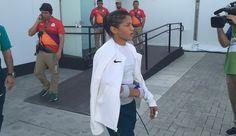 Sarah Menezes com luxação no cotovelo (Foto: Richard Souza)
