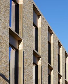 hotel architecture Stanton Williams extend the Judge Business School, Cambridge Business Architecture, University Architecture, Hotel Architecture, Residential Architecture, Architecture Details, Cambridge Architecture, Stanton Williams, Student House, Brick Facade