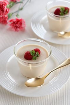 ミルクティー風味の濃厚でなめらかなパンナコッタです。 材料を温めて、冷やし固めるだけの簡単デザート。