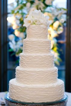 Nest texture all white wedding cake. Find more like this at http://www.myweddingconcierge.com.au #weddings #weddingcake