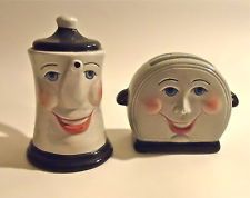 Retro Salt and Pepper Shakers Toaster and Coffee Pot Ceramic!