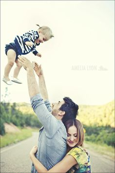 i love the family love in this picture. - Click image to find more Kids Pinterest pins