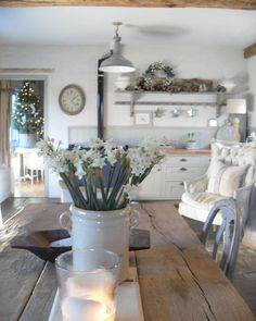 Beautiful sunshine this afternoon,stay warm everyone. Cottage Kitchens, Farmhouse Kitchen Decor, Country Kitchen, Home Kitchens, Cottage Shabby Chic, Diy Home Decor, Room Decor, Cottage Renovation, Cottage Interiors